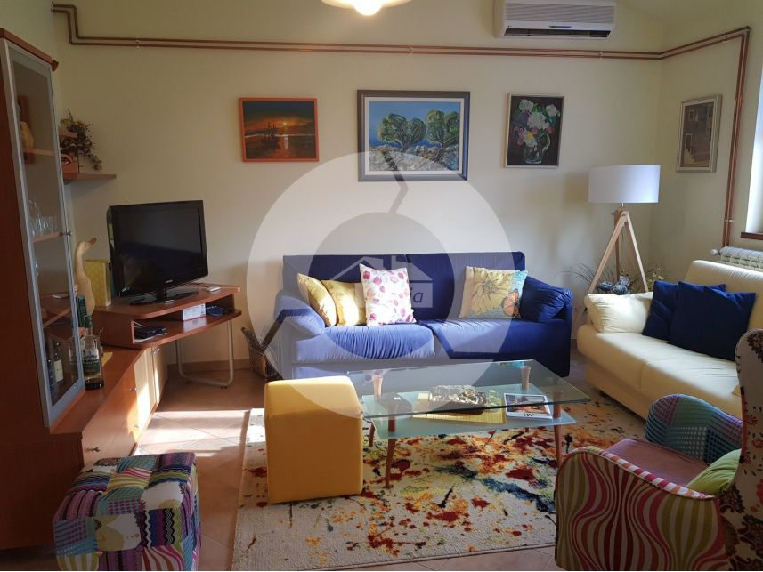 Two Floor Apartment With Autonomous Entrance In Vabriga 2 Km From The Sea